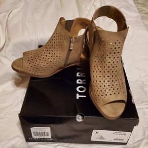 Torrid block heel Size 9